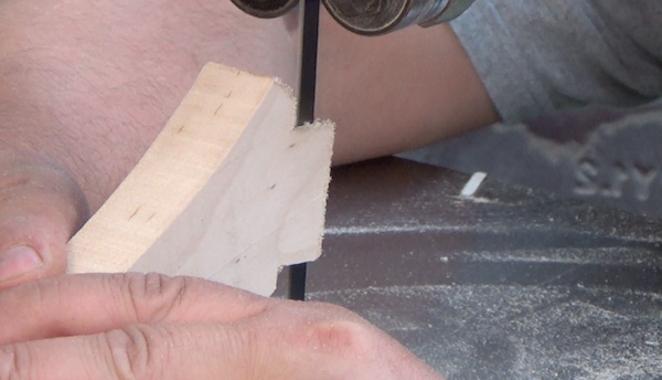 Making fine cuts using industrial saw